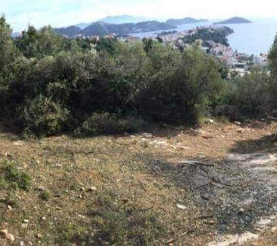 Small land 2.100m² with sea view for sale